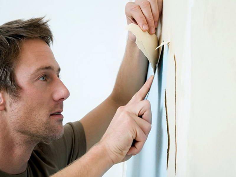 d coller le papier peint la main ou avec une d colleuse vapeur. Black Bedroom Furniture Sets. Home Design Ideas