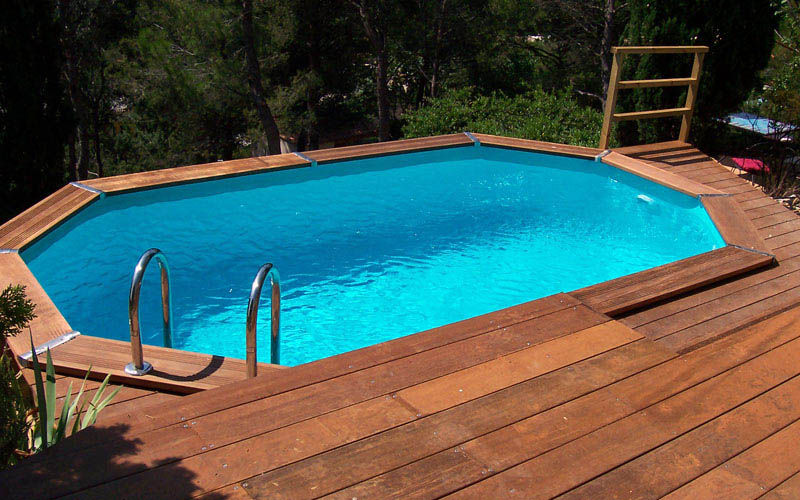 Piscine en bois for Piscine hexagonale bois